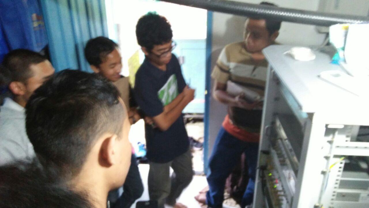 Kuliah Lapangan Antena, Menjadi Daya Tarik Tersendiri bagi Mahasiswa Teknik Elektro