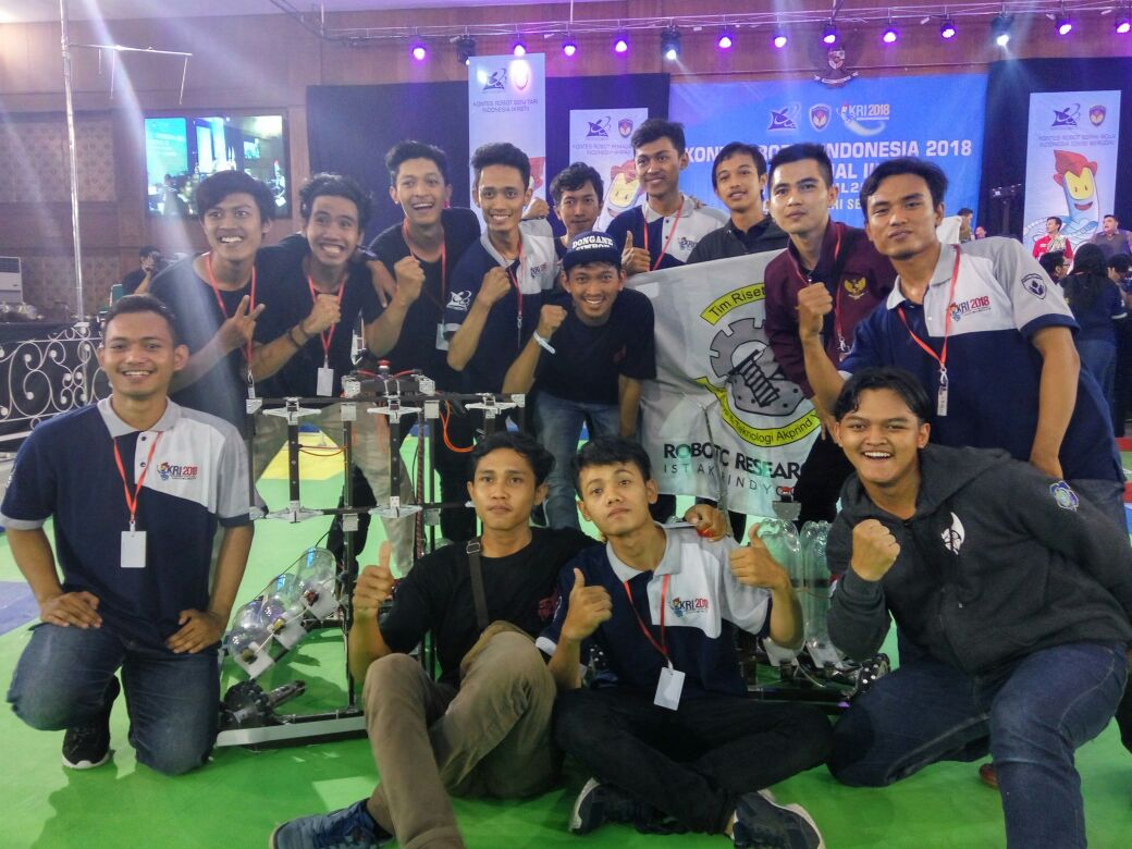 Tim Robot Brahmana Rebut Juara 2 Regional III kategori KRAI pada Kontes Robot Indonesia 2018