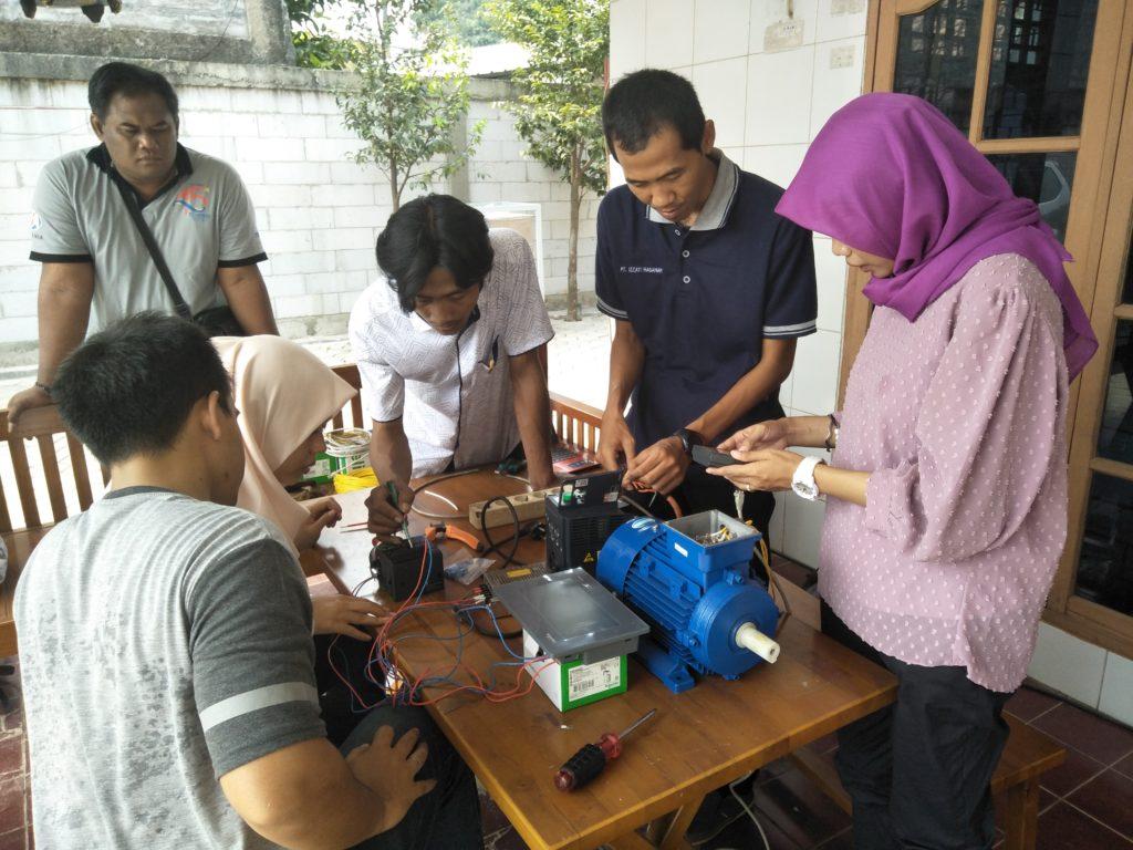 Pelatihan PLC Teknik Elektro IST AKPRIND Yogyakarta