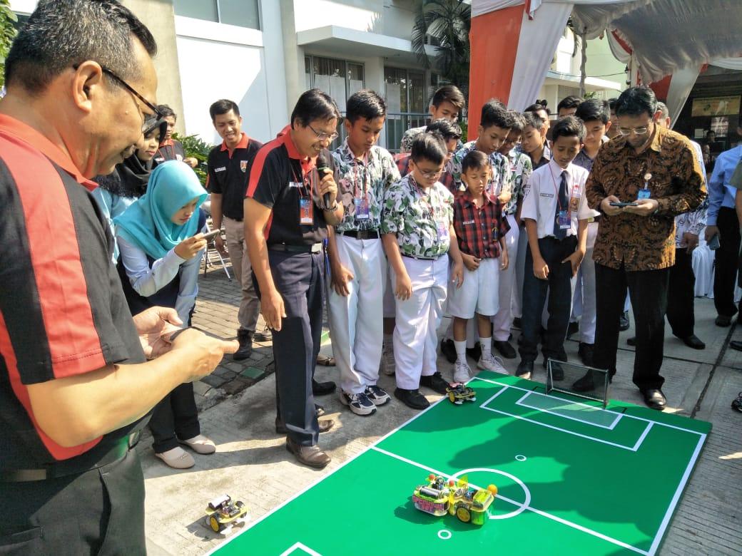 IST AKPRIND dan Balitbang Magelang Menyelenggarakan Lomba Robot Soccer untuk siswa SMP Magelang