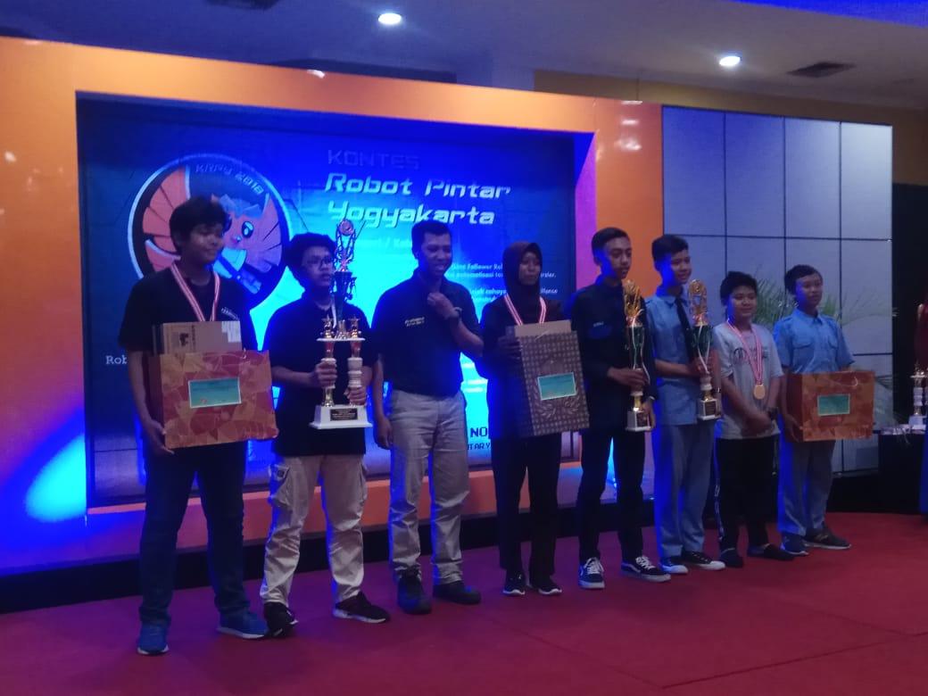 Partisipasi IST AKPRIND dalam Kontes Robot Pintar Yogyakarta 2018