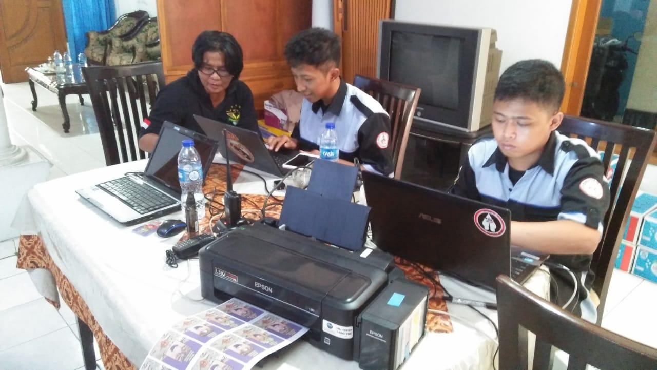 Teknik Elektro Bantu Pemutakhiran Data Logger Alumni dan Teknologi Advertizing KTA pada Temu Alumni Menwa IST AKPRIND Yogyakarta
