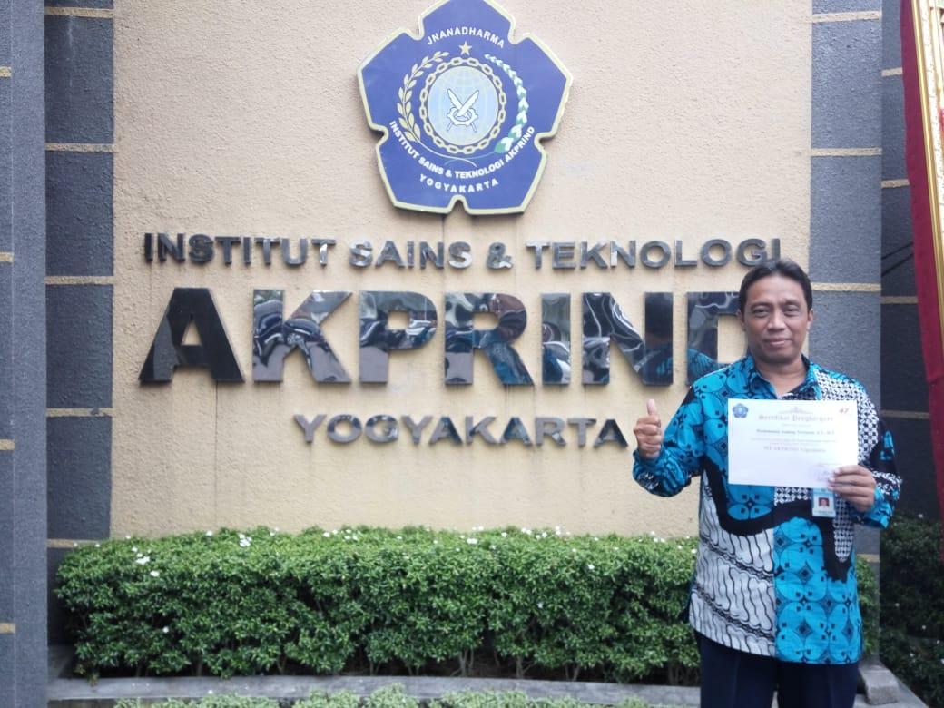 Andang Novianta S.T., M.T. sebagai Dosen Berprestasi 2019 dalam Dies Natalis ke-47 IST AKPRIND Yogyakarta