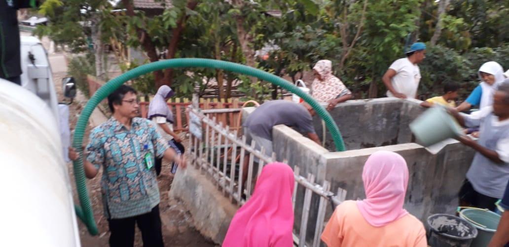 Penyaluran Air Bersih Prodi Teknik Elektro Sebagai Bentuk Pengabdian Masyarakat